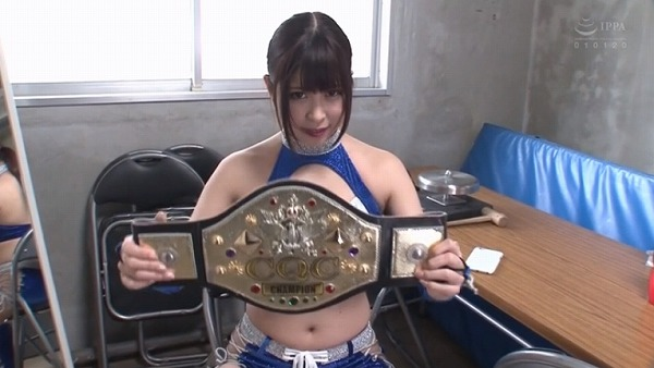 Jカップ女子プロレスラー摩耶