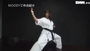フルコンタクト空手の女子世界チャンピオン音無綾乃のAVデビュー作!エロさも黒帯級!