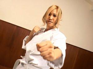 女子格闘家がレイプを賭けてリアルファイト!負けたら即レイプの男女総合格闘技試合動画