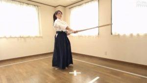 女子剣道家のあゆみ莉花(現役体育生21歳)が負けたら中出しレイプの試合に挑戦