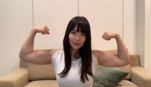 YouTuberちゃんよたマッスルガールズAVデビューで全裸トレーニング!